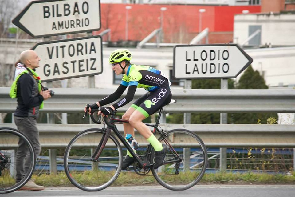 Patrocinio equipo ciclista Hegotarrak (Emerid System)